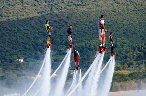 New tourism products in Khanh Hoa, dolphin performances at Vinpearl Land, Vietnam flyboard in nha trang, vietnam water jetpack in nha trang